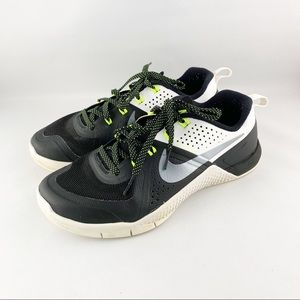 • Nike Flywire Lifting Rubber Sneakers •